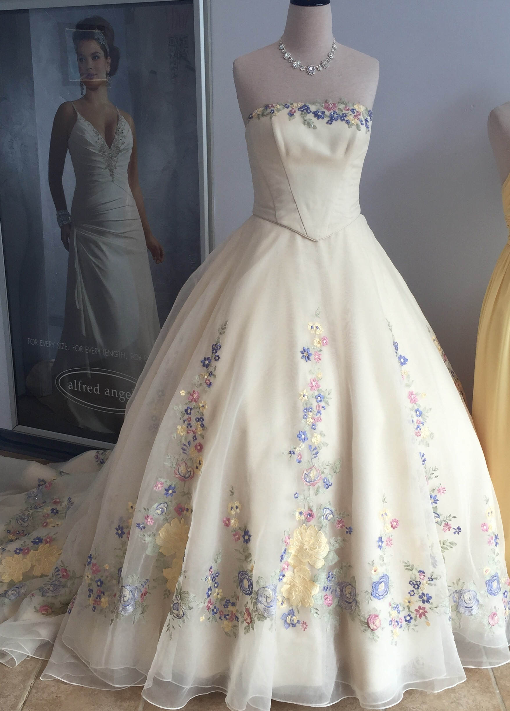 Alfred Angelo Cinderella Wedding Dress 2015. Rustic Bridesmaid Dresses Uk. Vintage Lace Wedding Dresses Canada. Glamorous Backless Wedding Dresses. 40 Winter Wedding Gowns You Ll Love. Light Blue Wedding Dresses. Inexpensive Backless Wedding Dresses. Sheath Wedding Dress Petticoat. Pink Wedding Dress Belts